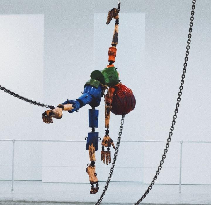 Jordan_Wolfson_Q&Art_critique_of_the_spectacle